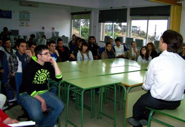 El IES Alfonso Escámez de Águilas acogió una charla de Ignacio Martínez, elegido Joven Empresario del Año en la Región de Murcia - 1, Foto 1