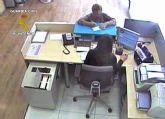 La Guardia Civil detiene a dos personas por simular atracos para estafar a aseguradoras