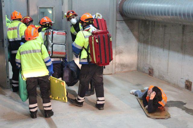 Protecci�n Civil de Totana participa en un simulacro en caso de accidente m�ltiple en el t�nel de la Autov�a de Lorca, Foto 4