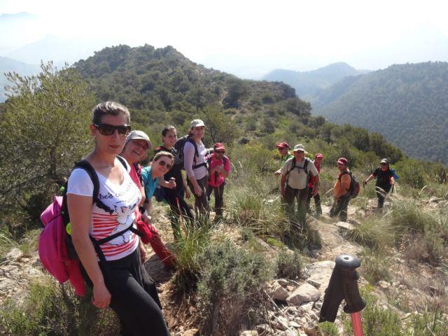 El Club senderista realizó la ruta Los Almeces por los Cuernos, por la Sierra De Ricote, Foto 2