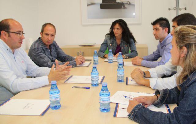 Nuevos convenios de colaboración con el Servicio Regional de Empleo y Formación para fomentar el empleo en Puerto Lumbreras - 1, Foto 1