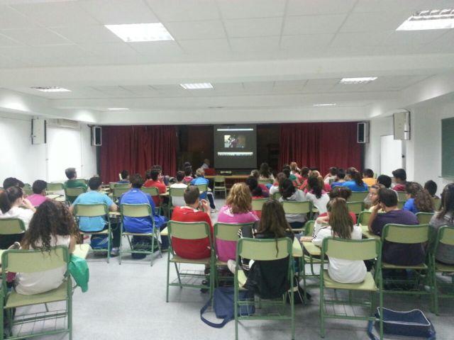 La Concejal�a de Educaci�n imparte un programa de charlas sobre el fracaso y el absentismo escolar, Foto 1