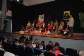 Emotivo homenaje del grupo teatral 'Tejuba' torreño a las madres y abuelas
