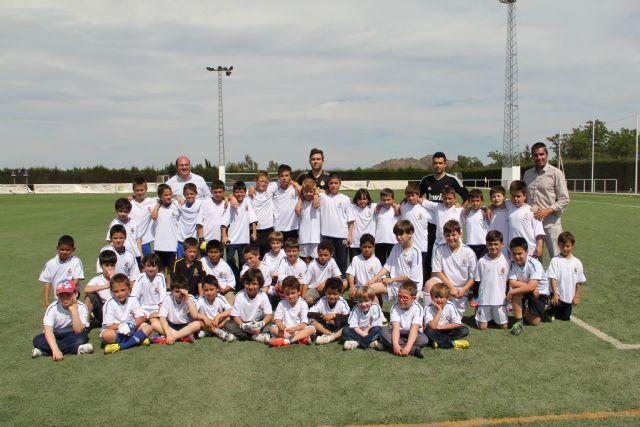 En marcha la Escuela Sociodeportiva de Fútbol del Real Madrid en Puerto Lumbreras - 1, Foto 1