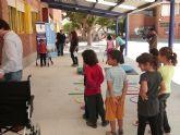 Niños del 'Fulgencio Ruiz' experimentan las dificultades de integración de las personas discapacitadas