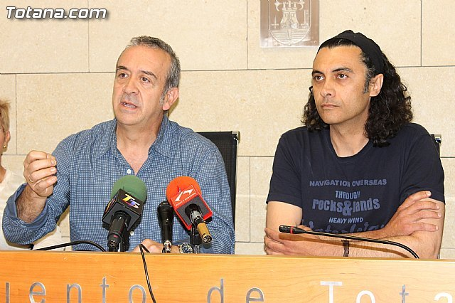 Otálora and Usero Martinez presented his resignation as councilors in the city of Totana
