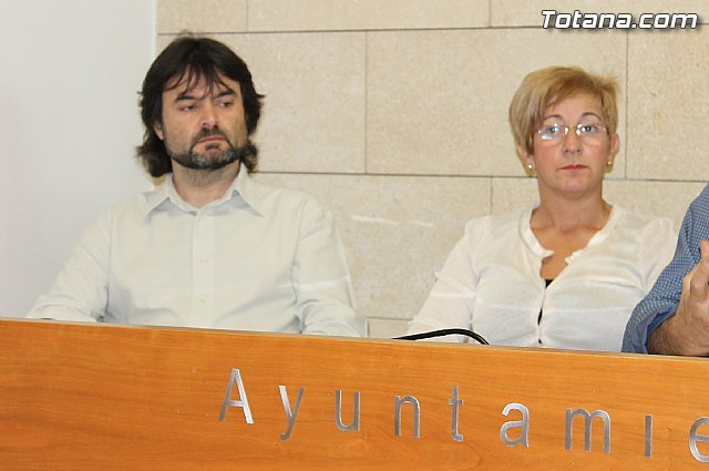 Otálora and Usero Martinez presented his resignation as councilors in the city of Totana, Foto 4