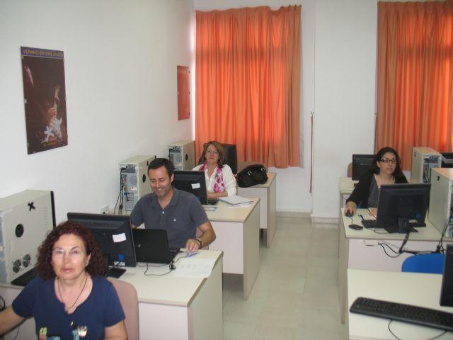 El Hotel de Asociaciones enseñan a sus huéspedes a mejorar su presencia en internet - 1, Foto 1
