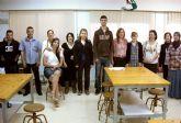 El Ayuntamiento torreño y el 'Proyecto Abraham' colaboran en un taller de reparación de calzado