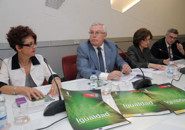 La Universidad de Murcia elabora un Plan de Igualdad entre mujeres y hombres - 2, Foto 2