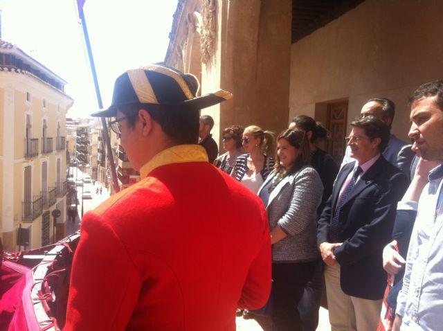 La Plaza de España acoge la tradicional celebración del Toque de Cabildos y Marcha de Ministriles - 1, Foto 1