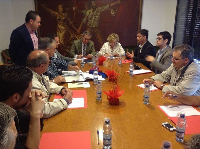 El PSOE pide al Gobierno regional que impulse la industria yeclana y la ayude a diversificarse - 1, Foto 1