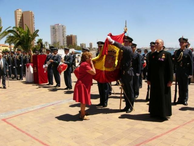 Cerca de 150 civiles juraron bandera en la explanada Barnuevo - 2, Foto 2