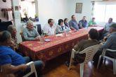 Autoridades municipales se reúnen con los vecinos de la diputación de La Sierra para conocer sus necesidades y demandas