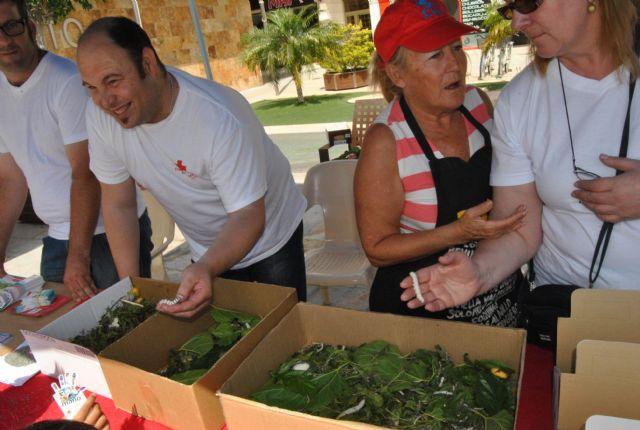 Los gusanos de seda y los talleres de seda y telares triunfan en el mercadillo ecológico de la concejalía de Medio Ambiente - 2, Foto 2