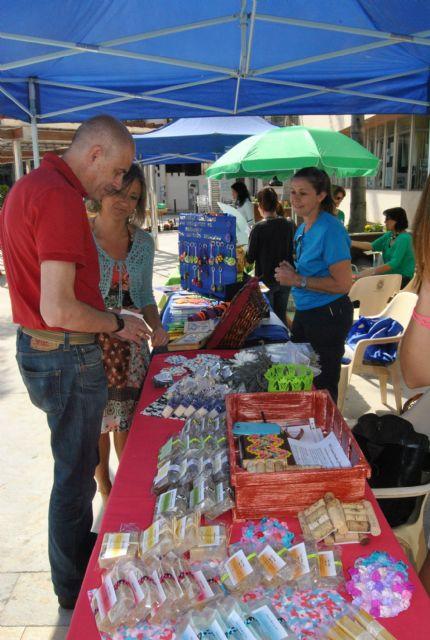 Los gusanos de seda y los talleres de seda y telares triunfan en el mercadillo ecológico de la concejalía de Medio Ambiente - 3, Foto 3