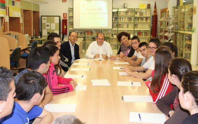 El Ayuntamiento solicita incorporar programas de primeros auxilios, seguridad vial y emergencias en la formación de los centros educativos - 1, Foto 1