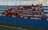 Los 300 alumnos de la Escuela de Fútbol Base Pinatar celebran la clausura del curso 2012-2013