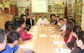 El Ayuntamiento solicita incorporar programas de primeros auxilios, seguridad vial y emergencias en la formación de los centros educativos