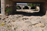 Prevenir accidentes, asegurar los puentes y limpiar el cauce de la Rambla de los Calderones