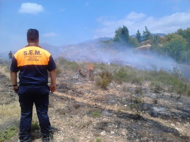 Effective from Infomur off an outbreak of wildfire in the Way of the Jaboneros