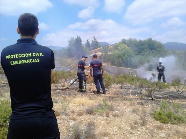 Effective from Infomur off an outbreak of wildfire in the Way of the Jaboneros, Foto 2
