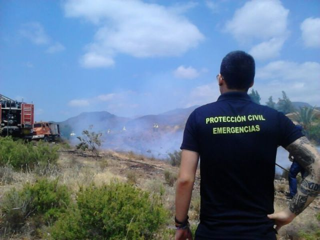 Effective from Infomur off an outbreak of wildfire in the Way of the Jaboneros, Foto 3