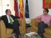 El consejero Manuel Campos recibe al alcalde de Ulea