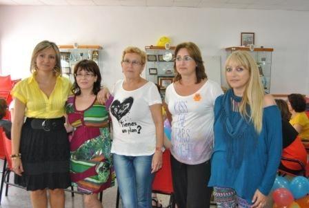 La concejalía de Igualdad lleva talleres de risoterapia y habilidades sociales al CAVI - 1, Foto 1