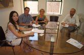 El ayuntamiento ofrece el servicio de promoci�n de suelo industrial y naves que oferta el Instituto de Fomento