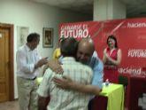 La agrupaci�n local del PSRM-PSOE de Mazarr�n, homenajea a un militante por su constancia y valores personales