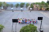 Los alumnos del IES 'Salvador Sandoval' torreño se gradúan a ritmo de 'lipdub'