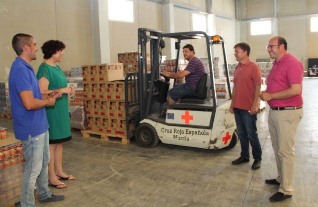 El Ayuntamiento y Cáritas Parroquial repartirán más de 6.000 kg de alimentos para distribuir entre las familias más necesitadas - 1, Foto 1
