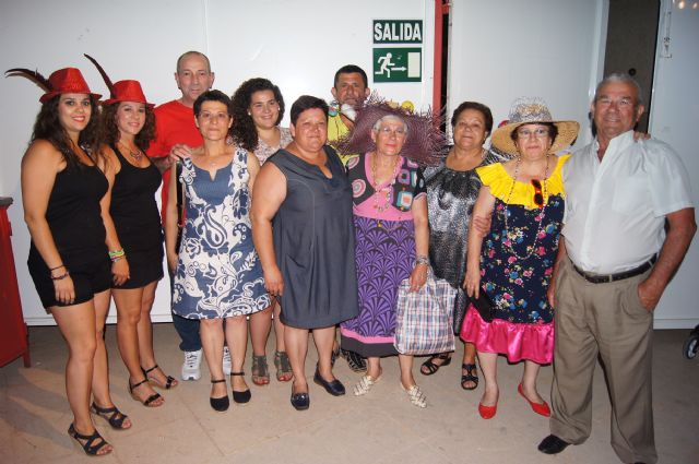 La Federación de Peñas del Carnaval organizó la Fiesta del Sombrero en la que se dieron cita más de doscientas personas - 4, Foto 4