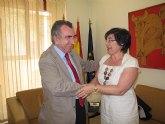 El consejero de Presidencia se reúne con la alcaldesa de Pliego