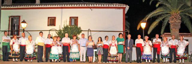 Los mayores del Centro Social de Lorca protagonizaron un recital de poesía, teatro y bailes regionales como agradecimiento a Puerto Lumbreras - 1, Foto 1