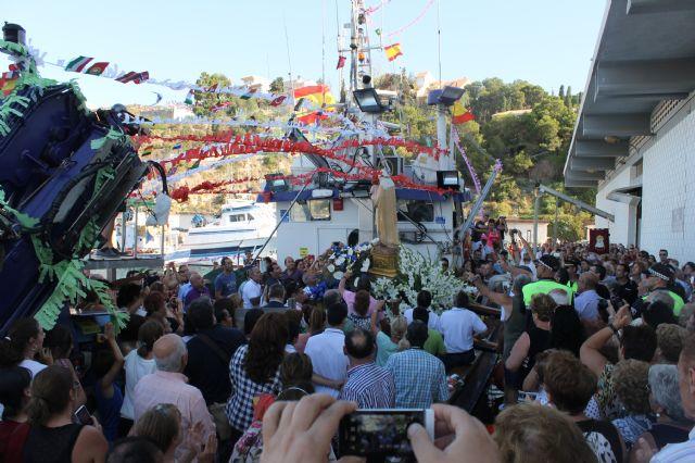 Pescadores, marineros, vecinos y turistas profesan su fe a la Virgen del Carmen - 1, Foto 1