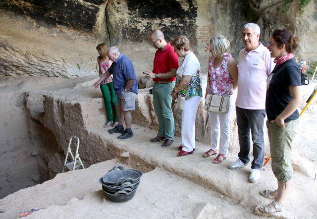 Los restos de fuego utilizados por el hombre primitivo más antiguos de Europa están en la Cueva Negra - 1, Foto 1