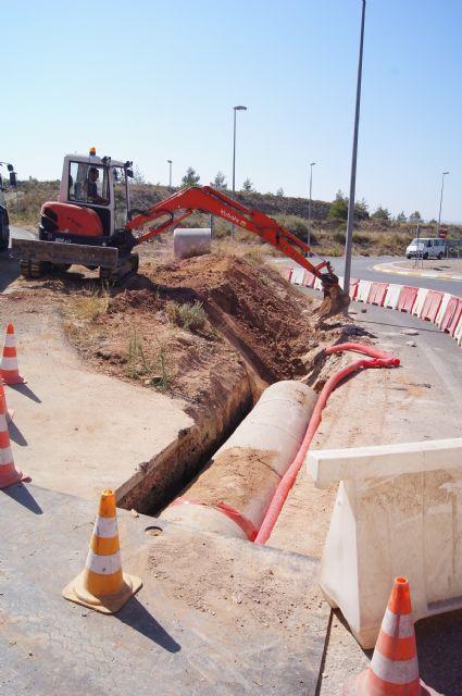 La Dirección General de Carreteras lleva a cabo obras para evitar inundaciones por lluvias en los viales del nuevo colegio de la Cruz y en el Rulo - 2, Foto 2