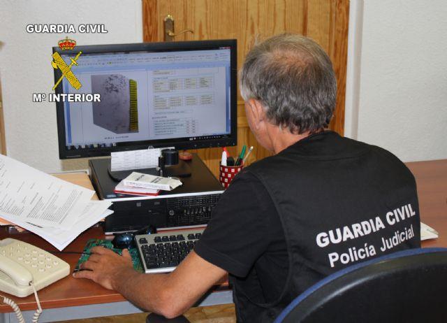 La Guardia Civil desarticula un grupo organizado dedicado a la trata de seres humanos con fines de explotación sexual, Foto 2