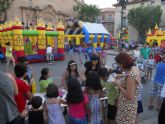 Centenares de niños participan en la Gran Fiesta Infantil que se celebró en la plaza de la Constitución