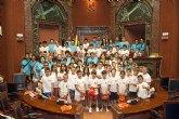 Los jovenes hemofílicos aprenden los secretos del debate parlamentario en la Asamblea Regional de Murcia