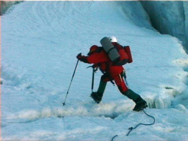 El mal tiempo no impide que Carlos Garranzo continúe con su expedición en Pakistán - 1, Foto 1