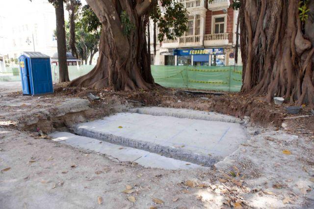 El monumento de Isidoro Maiquez ya luce en su nueva ubicación - 4, Foto 4