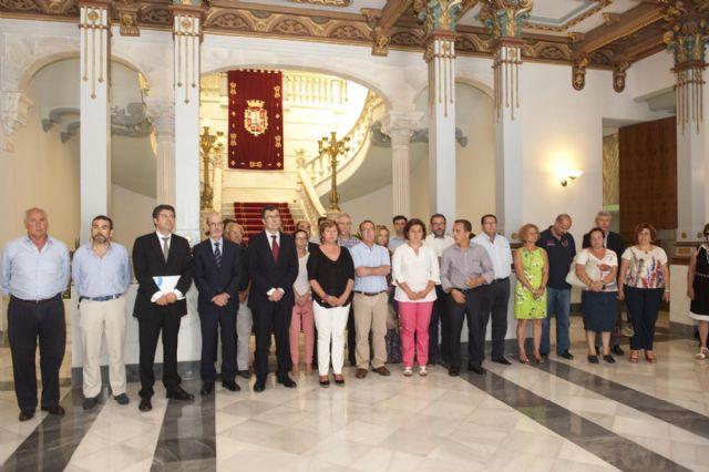 La alcaldesa muestra sus condolencias por las víctimas del accidente de tren en Santiago de Compostela - 1, Foto 1