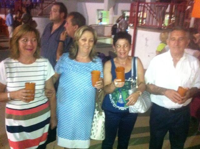 Varios centenares de personas asisten a la Feria de Noche Fiesta de la Cerveza - 3, Foto 3