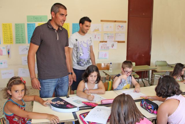 La Escuela de Verano de Puerto Lumbreras ofrece refuerzo educativo y actividades de ocio para los más pequeños durante los meses estivales - 1, Foto 1