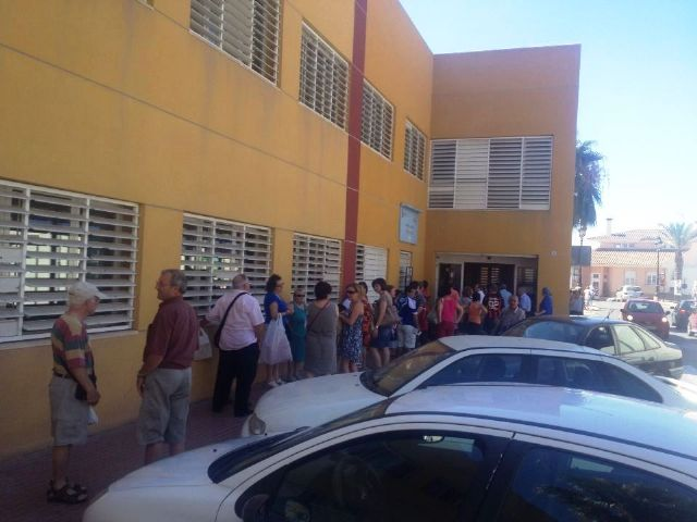 """IU-Green reports that the Health Center users have to endure long queues at the cuts """"to the passivity of the government team"""""""