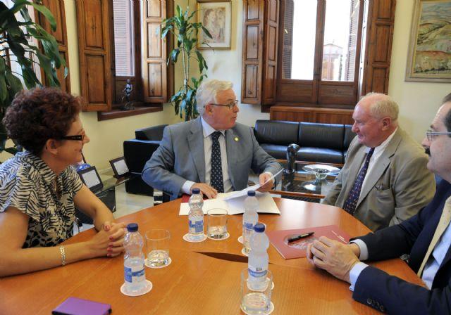 La Universidad de Murcia colaborará en temas de investigación con asociación de Paleoantropología - 1, Foto 1