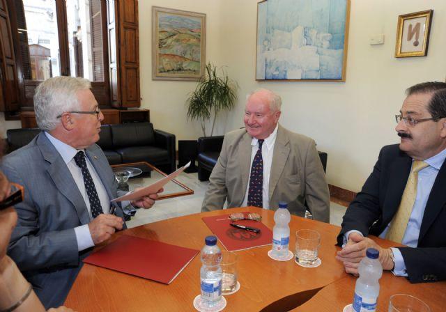 La Universidad de Murcia colaborará en temas de investigación con asociación de Paleoantropología - 2, Foto 2